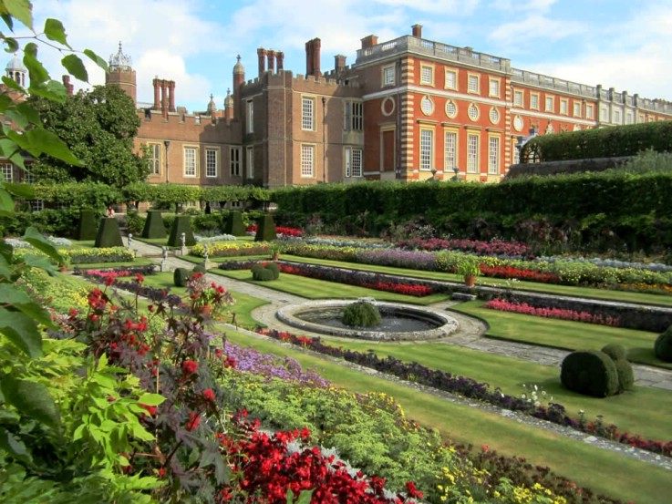 Image of Hampton Court Palace